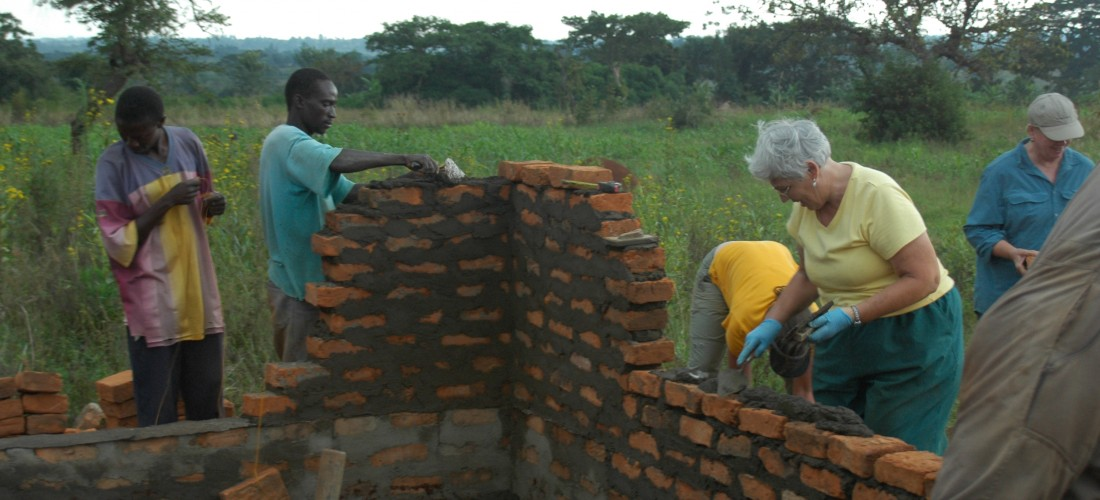 Volunteer in Africa Building Homes
