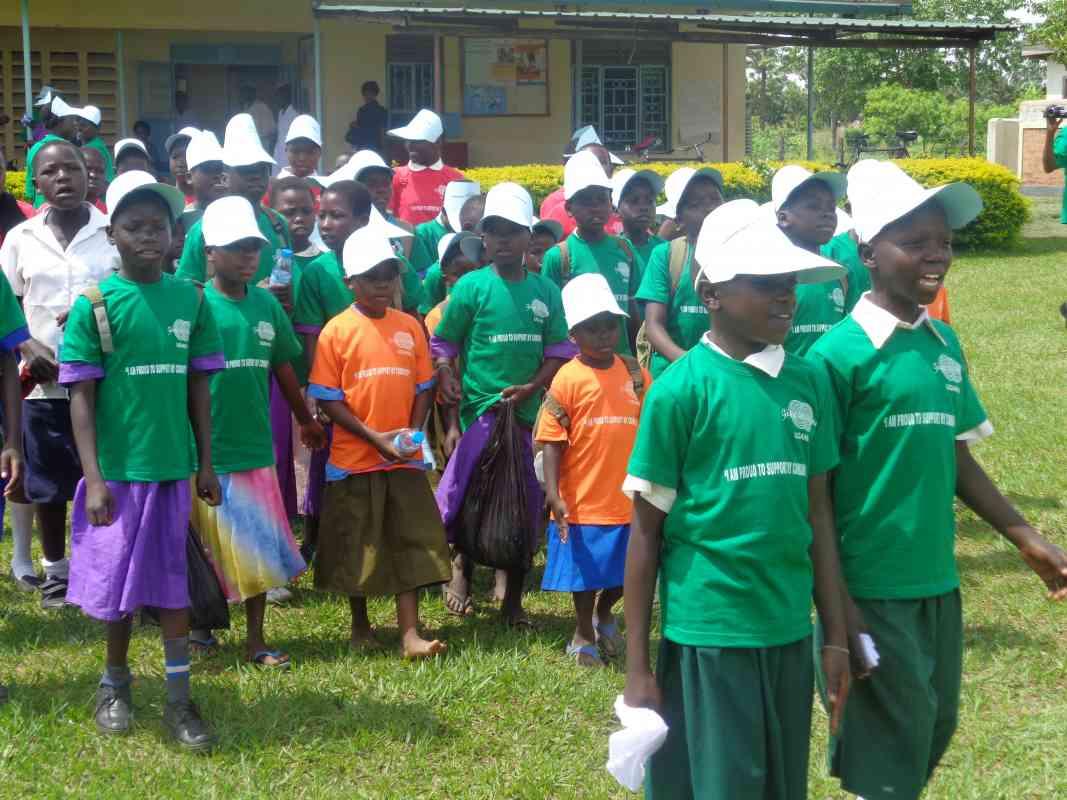F2F kids Community Service Dec 2015 Uganda